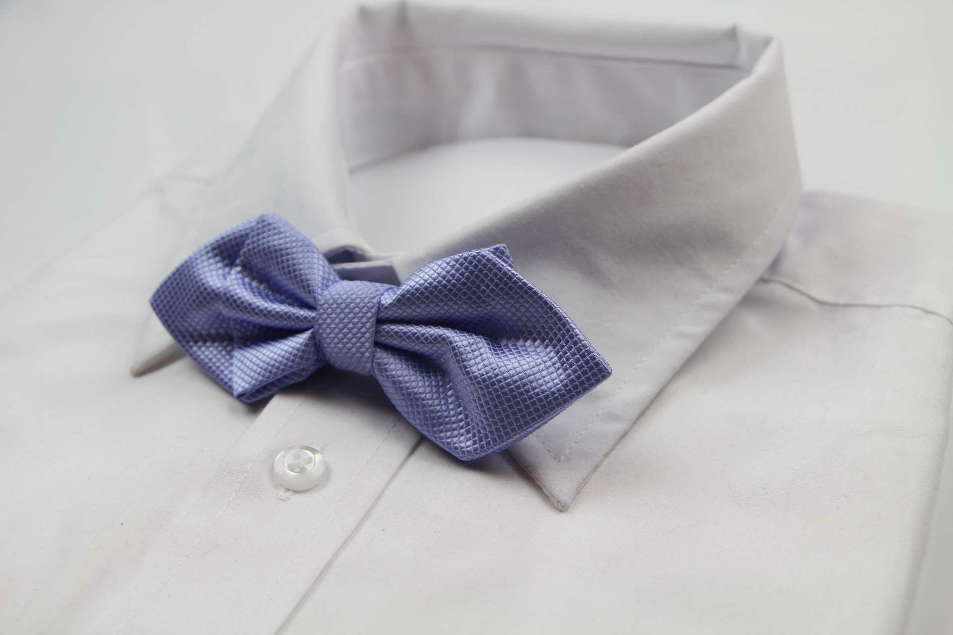 Mens Lavender Diamond Shaped Checkered Bow Tie
