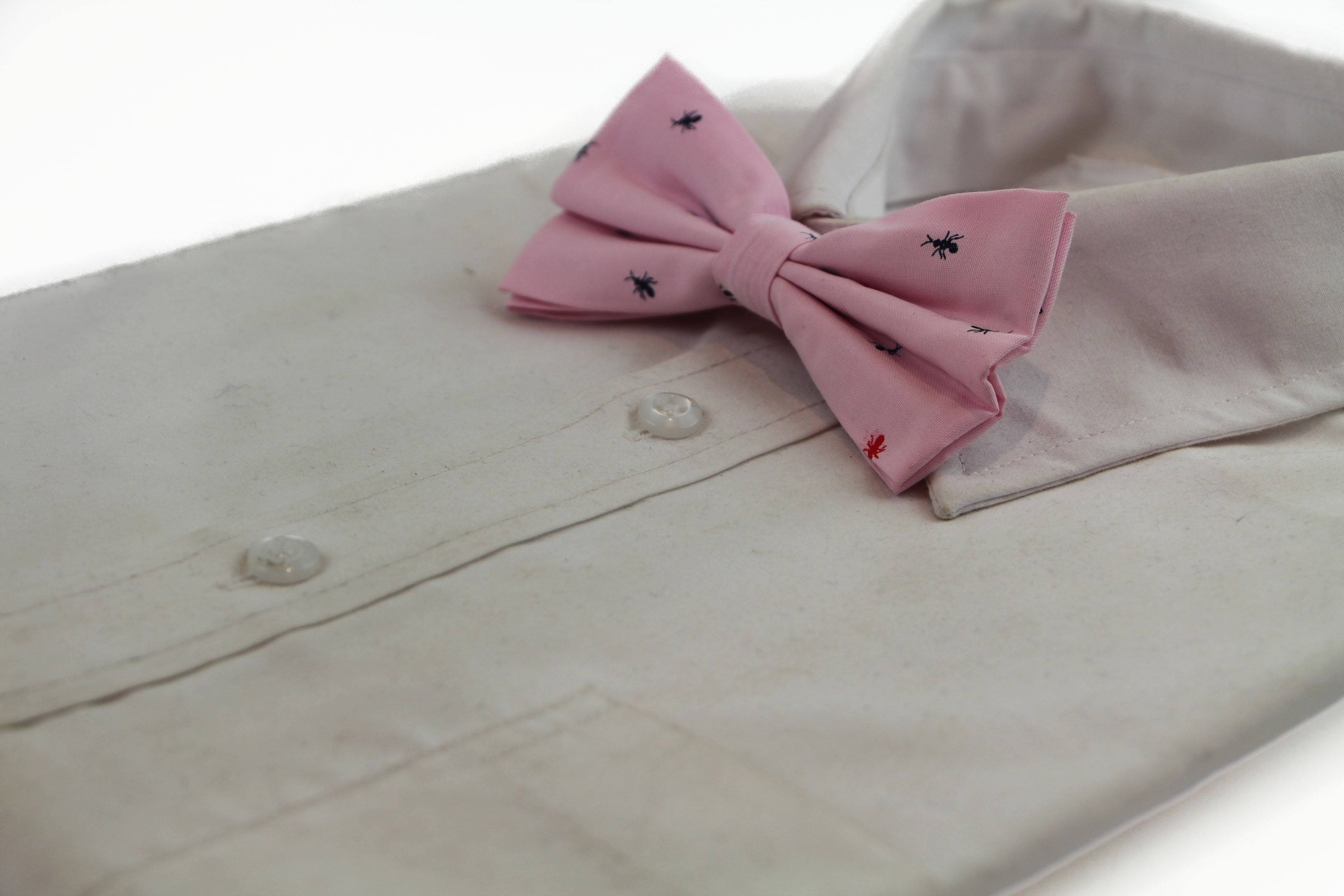 Mens Light Pink Denim Preppy Insects Patterned Cotton Bow Tie