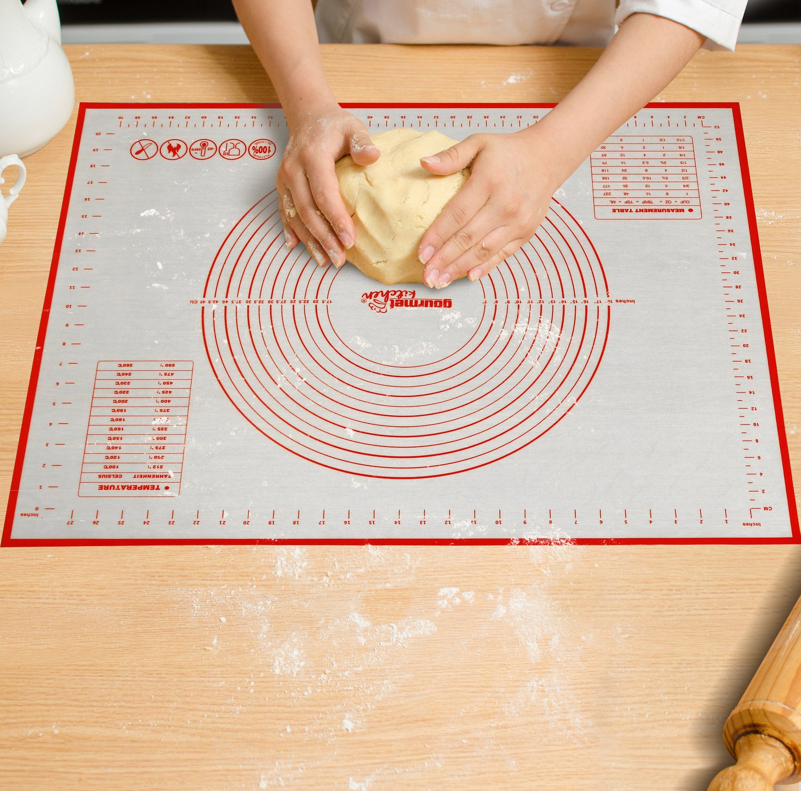 Gourmet Kitchen Non-Stick Oven And Dishwasher Safe Silicone Pastry Baking Mat With Red/White 60X80Cm
