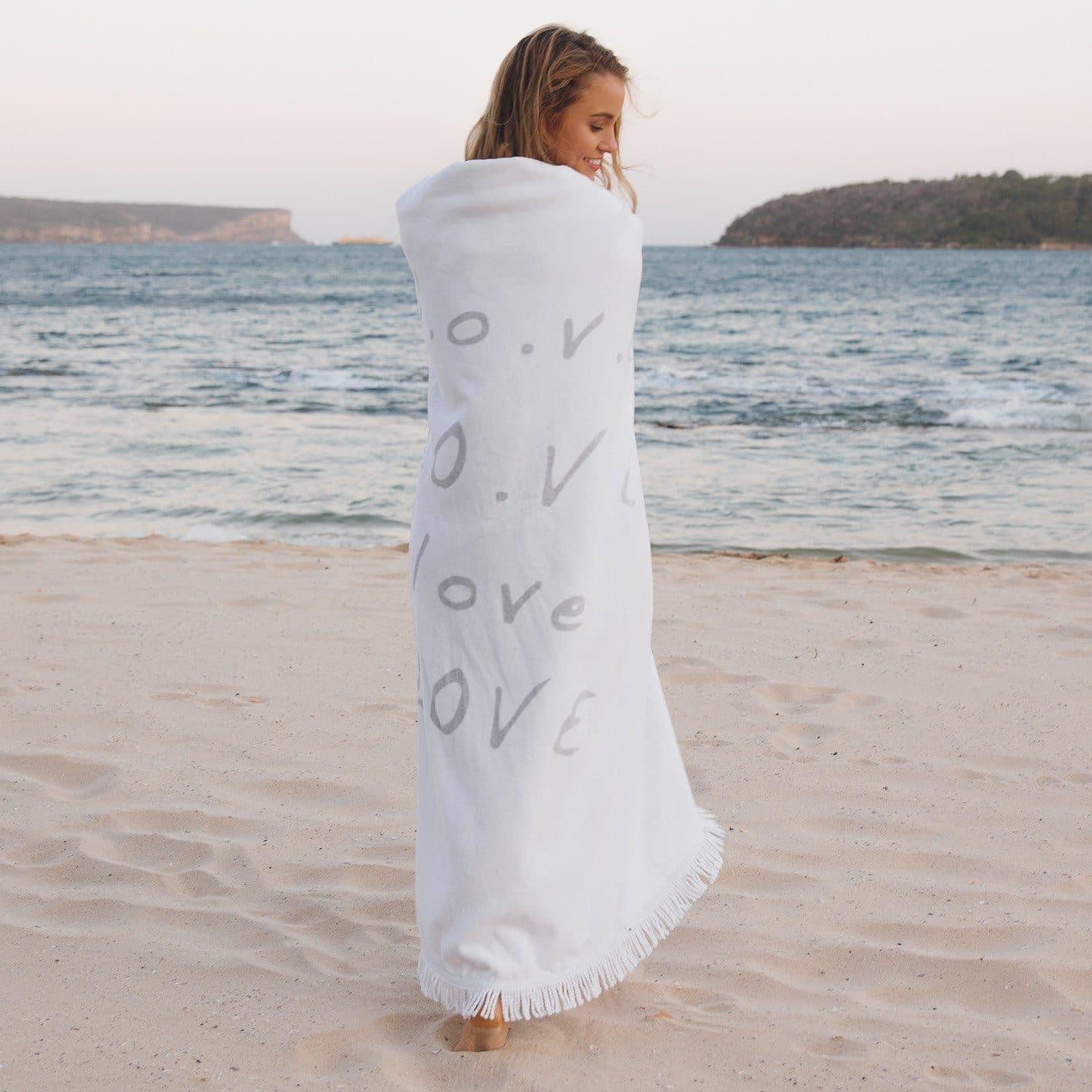 Round Beach Towel/Picnic Blanket - Love Always