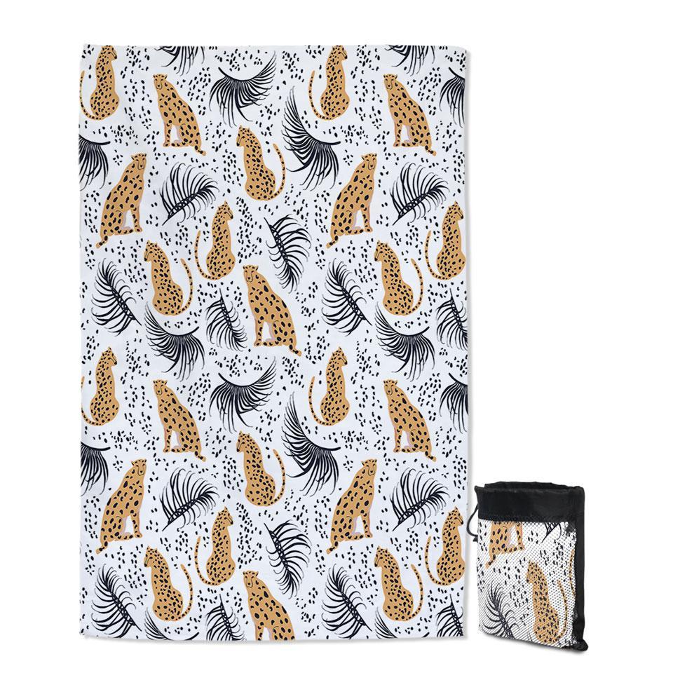 Cheetah Drawings Pattern Quick Dry Beach Towel
