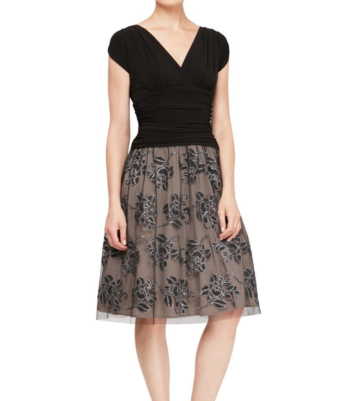 SLNY Women's Dress Black Size 6 A-Line Mesh Beaded Floral Skirt