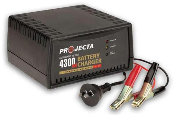 8ZED Projecta Automatic 12V, 4300mA, 2 Stage Battery Charger