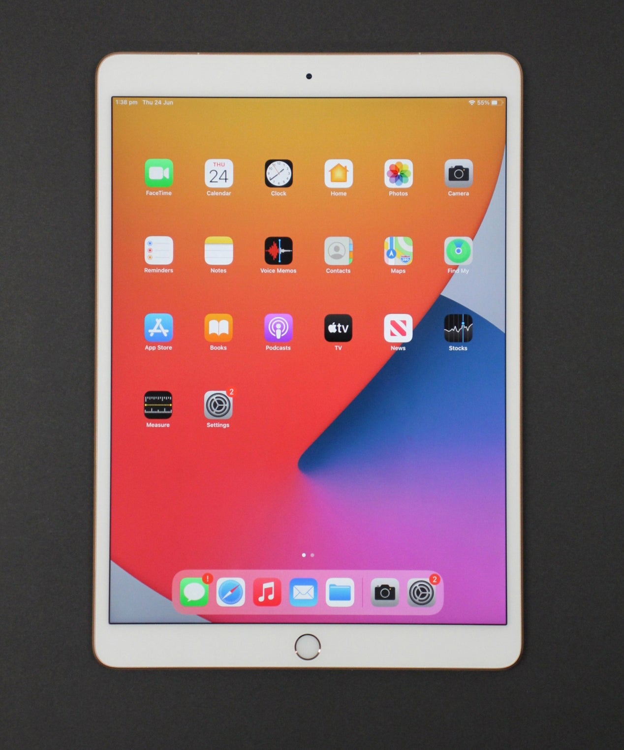 """Apple iPad Air (3rd Generation) 64GB WiFi + Cellular 10.5"""" Tablet Gold (Pre-owned)"""