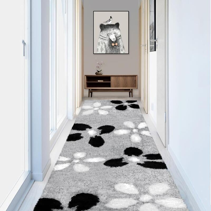 A Hallway Rug defining how a hallway rug can help brighten up an space